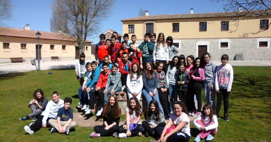 Participantes del C.P. Santa Teresa de Jesús y C.R.A. Llanos de la Moraña (El Barraco) y el I.E.S. María de Cordoba (Las Navas del Marqués)