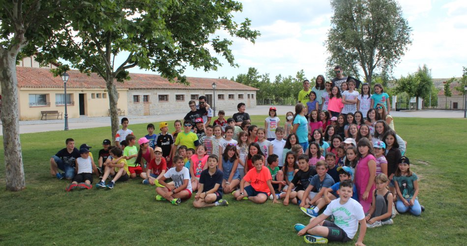 Participantes del C.R.A. Alto Tietar (Santa María del Tietar, Navahondilla y Casillas), C.P. Vicente Aleixandre (Las Navas del Marqués) y C.R.A. Valdelavía (Herrandón de Pinares)