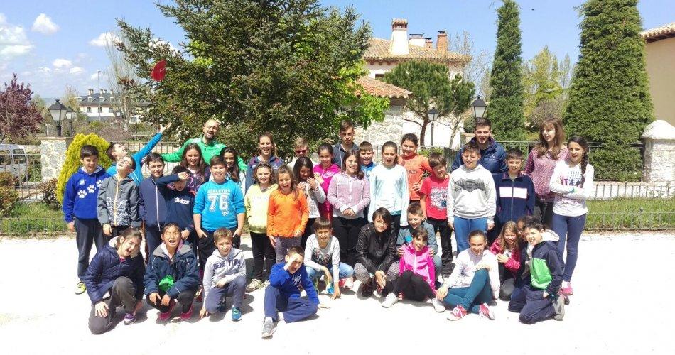 Participantes del C.R.A. Alto Alberche (Navatalgordo y Navarrevisca), C.R.A. Las Cogotas (Gotarrendura, Las Berlanas y Cardeñosa), C.R.A. Miguel Delibes (Mingorria y Velayos), C.R.A. Alto Gredos (Navarredonda de Gredos), C.R.A. Vetonia (Poyales del Hoyo) y C.R.A. Tomás Luís de Victoria (Santa María del Cubillo)