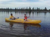 Luis en canoa