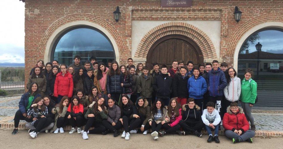 Participantes del I.E.S.O. San Juan de la Cruz (Fontiveros), C.E.O. Virgen de la Navaserrada (El Hoyo de Pinares) y C.C. Santísima Trinidad (El Tiemblo)
