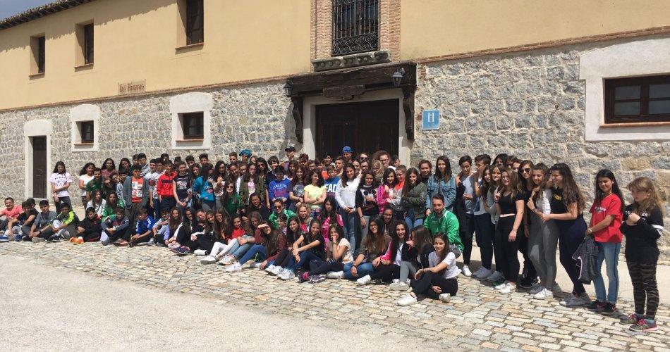 Participantes del I.E.S. Sierra del Valle (La Adrada), I.E.S. María de Córdoba (Las Navas del Marqués) y I.E.S. Claudio Sánchez Albornoz (El Tiemblo)