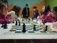 Recibiendo clases de ajedrez